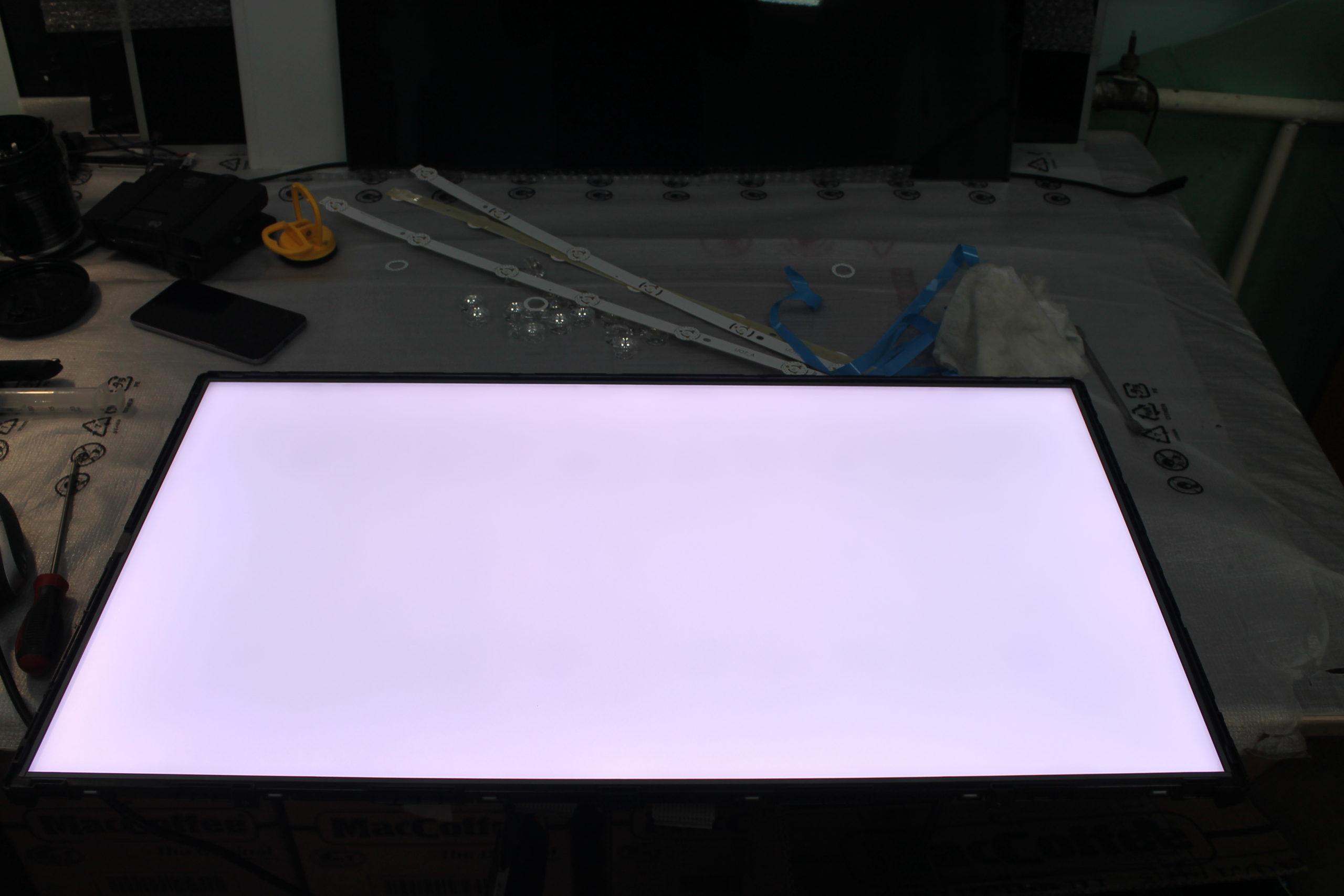 нет картинки на матрице есть подсветка какие